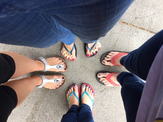 Wednesday morning was toe day -- Carol Anne, her daughter Anne, and Anne's two daughter, Cecelia and Calla, all got their toenails done. My suggestion that Calla consider having each toe done in a different color did not please Carol Anne, their grandmother, who was footing the bill. She was afraid that each different toe might be considered an individual pedicure and that having each toe done diffetnly would be ten pedicures.